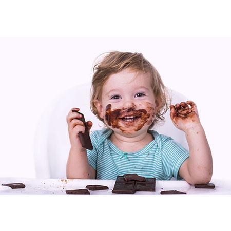 cara-makan-coklat-dengan-betul